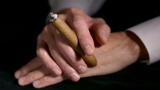 Smoking cigars as risky as cigarettes