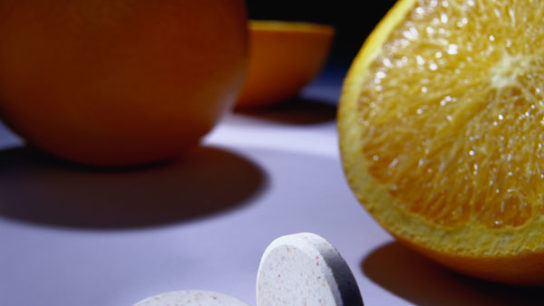 A study found no link between vitamin C supplementation and prostate cancer risk.